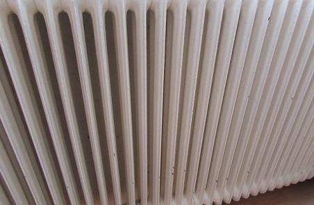 C mo y por qu purgar los radiadores de casa cierzo for Como purgar radiadores de calefaccion